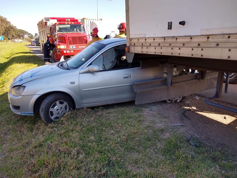 camión con acoplado